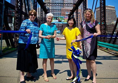 Ribbon Cutting: (L-R) Antonia Pollak, Parks Commissioner, Joanne Massaro, Public Works Commissioner; Vivien Li, The Boston Harbor Association President and Michele Hanss, Chair of the Boston Committee of the Garden Club of America