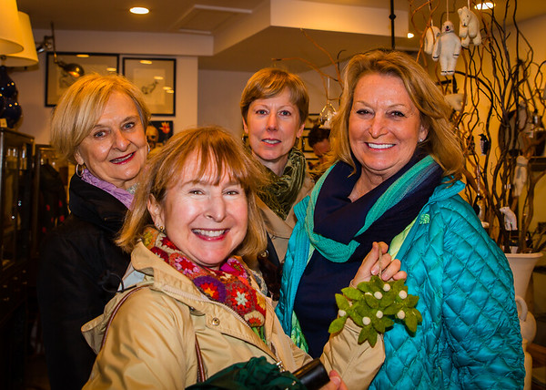 Shoping in the North End at the Buon Natale Holiday Stroll