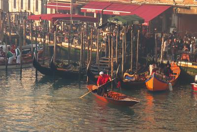 Watching the Regata delle Befane in Venice