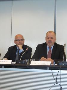 Dr Jovan Kurbalija, Amb. Petru Dumitriu