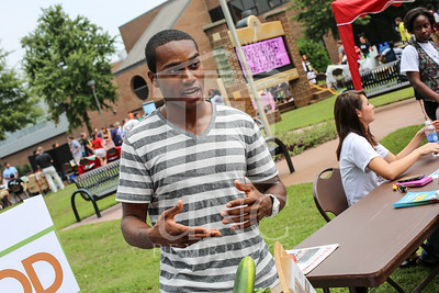 UNCP holds a student involvement fair on Wednesday, August 28th, 2013. student_involvement_fair_0003.JPG