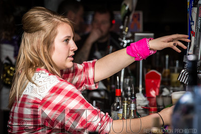 TGIFs Bar Wars_20130224-113
