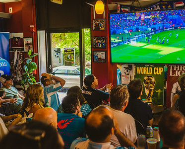 Full house at Caffe dello Sport