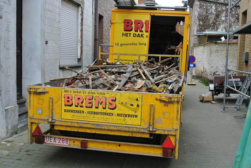 2014-03-18 Nieuw dak.<br /> Begin 18-03 om 07.00 uur.<br /> Einde 20-03 om 15.00 uur.