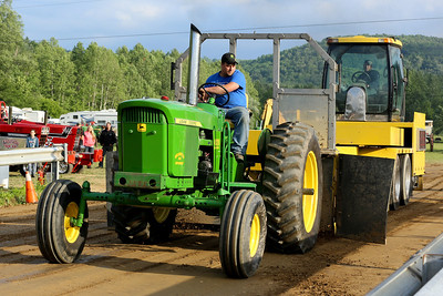 14 06 13 Twin Tier Tractor Pull-044