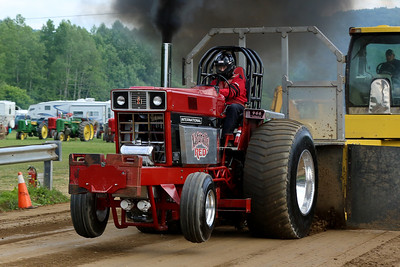 14 06 13 Twin Tier Tractor Pull-057
