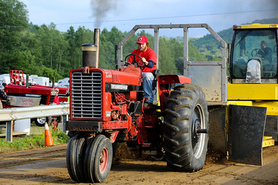 14 06 13 Twin Tier Tractor Pull-042