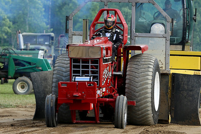 14 06 13 Twin Tier Tractor Pull-045