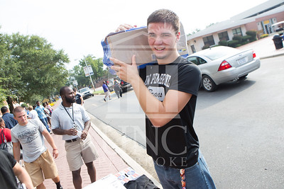 Students move in to their Dorms at the University of North Carolina at Pembroke on Monday, August 18th, 2014. move-in-2014_0013.JPG