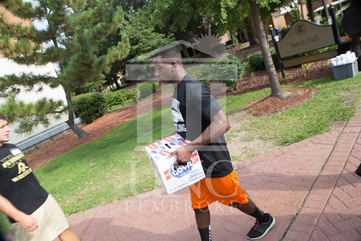 Students move in to their Dorms at the University of North Carolina at Pembroke on Monday, August 18th, 2014. move-in-2014_0015.JPG