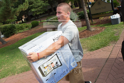 Students move in to their Dorms at the University of North Carolina at Pembroke on Monday, August 18th, 2014. move-in-2014_0014.JPG