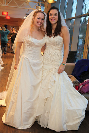 World Record Brides in the Aisle