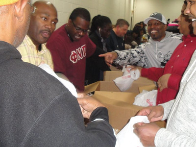 2015 Mission To Feed 2500: Homeless Outreach (Part 1) (December 22, 2015)