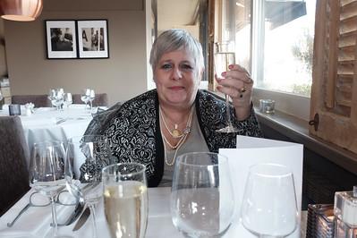 Champagne (die heb ik aan Swoi gegeven)
