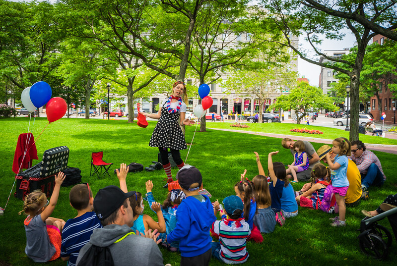 Jenny the Juggler entertains at Christopher Columbus Park
