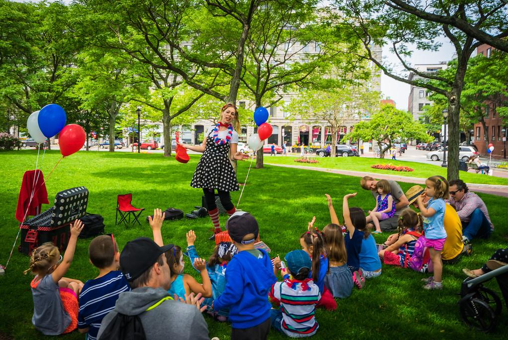 Jenny the Juggler entertains at Christopher Columbus Park
