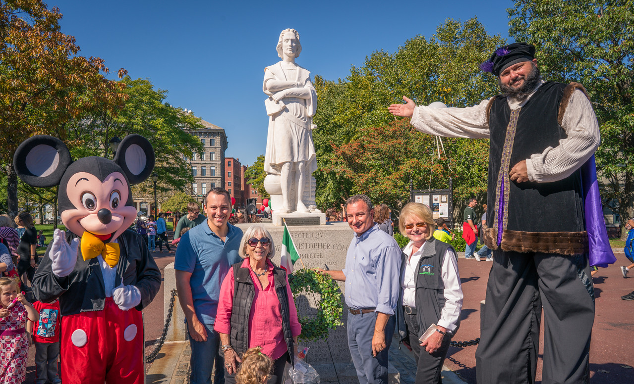 Wreath laying at the statue of Christopher Columbus