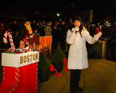 Sharon Zee brings in the Christmas spirit with her songs