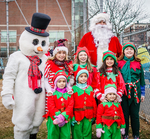 Santa Claus, Frosty and the elves