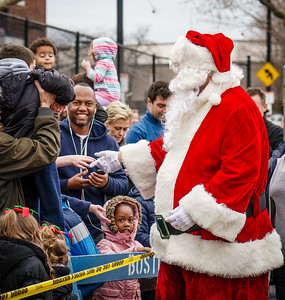 Santa Claus meets his fans
