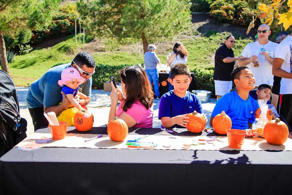 Brookfield Pumpkin Party_20151024_055