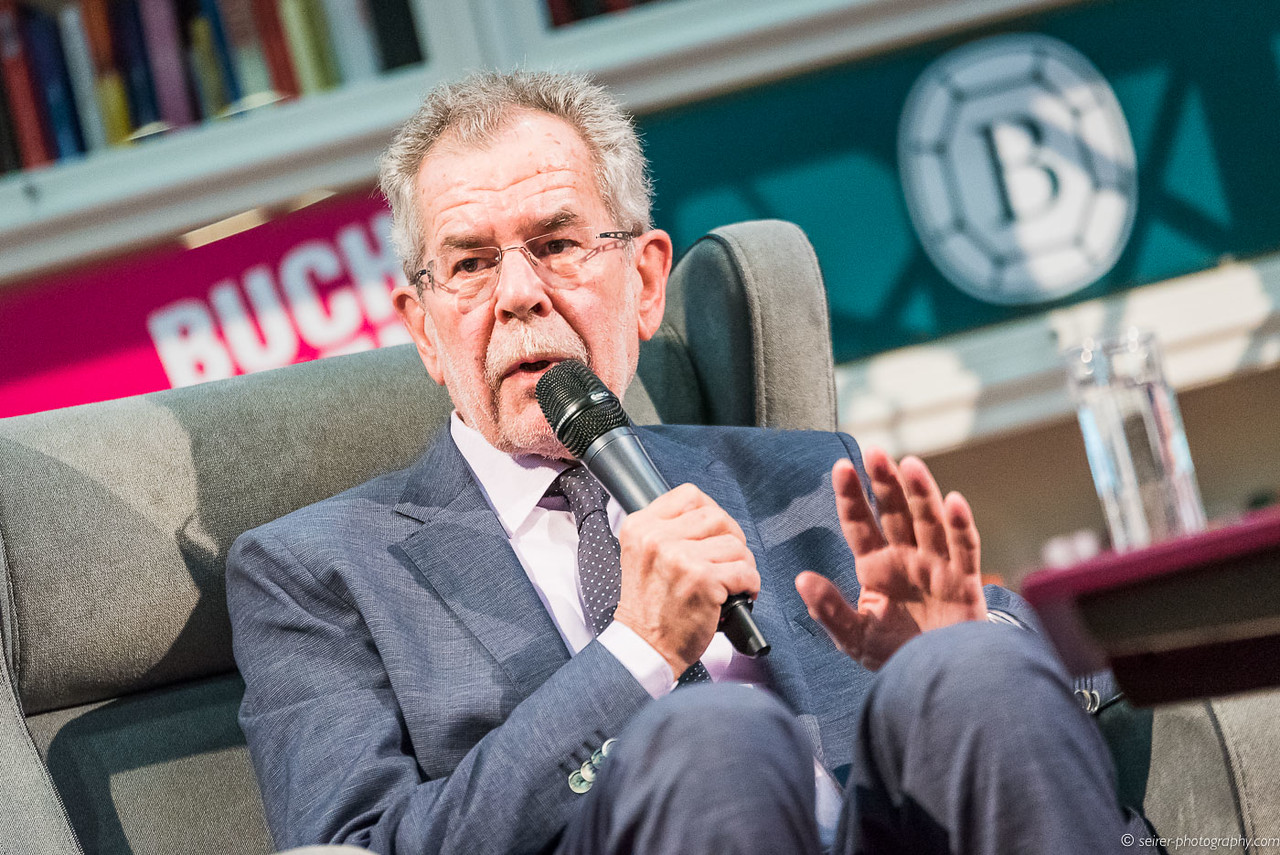 """Alexander Van der Bellen auf der """"Buch Wien"""" ORF Bühne"""