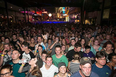 005_Hot-Country-Nights_Currington_08-12-16