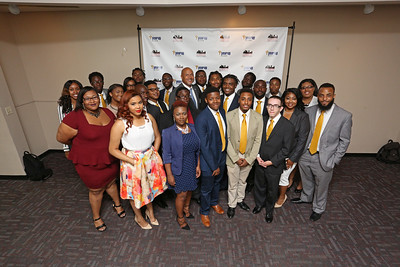 011_YearUp-Graduation_07-22-16