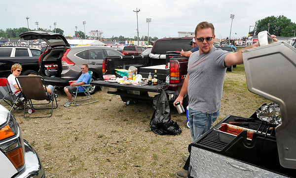 John P. Cleary | for The Herald Bulletin<br /> Fans tailgate before the 2016 Pay Less Little 500 sprint car race.