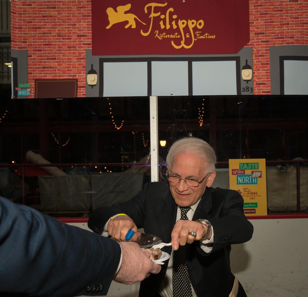 """Joe """"Pepe"""" serves for Filippo"""
