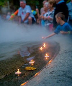 Floating candles in the Prado fountain