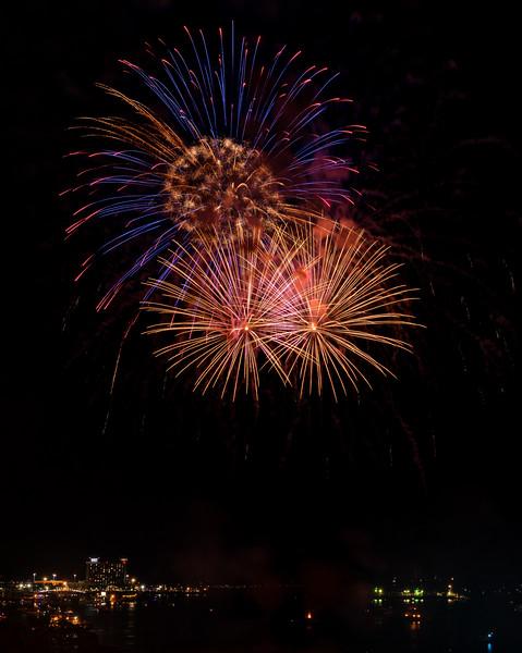 2016-09   Illuminate Boston Labor Day Weekend Fireworks