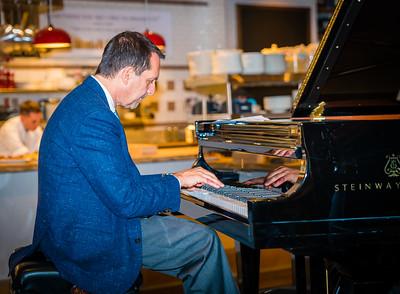 Legendary jazz pianist Alan Pasqua