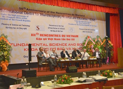 Dr Jovan Kurbalija addressing participants of the international workshop on Fundamental Science and Society in Vietnam (8 July 2016)