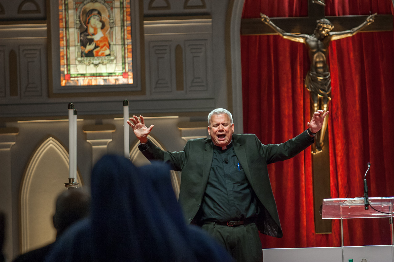 "Father Larry Richards, author of ""Be a Man!: Becoming the Man God Created You to Be,"" challenged attendees in the English track at the congress to spend more time with the Blessed Sacrament. Photo by Thomas Spink"