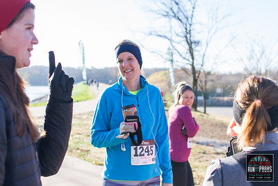 Runners gathered in Fayetteville to run starting from different parks throughout the town, all finishing at Wilson Park. Those tackling the 8.5 mile distance started at Lake Fayetteville, then the 4.5 mile started at Gordon Long Park, and finally those taking on the 2.5 miles started at Wilson Park.