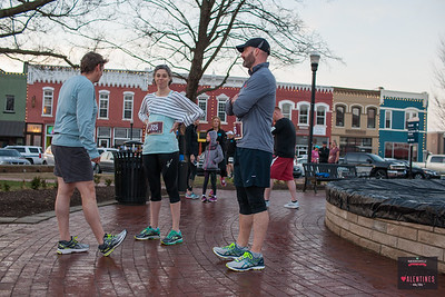 The Bentonville Race series kicked off its first race of the 2017 as runners gathered with their valentines to push hard against the blustery and unseasonably warm February morning for the Valentines 4k/8k, Saturday.