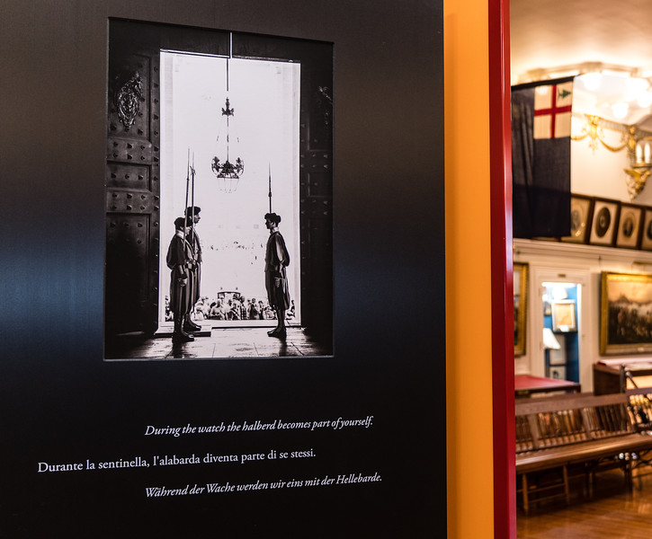 The photographs are extended with powerful quotations regarding the Swiss Guard.