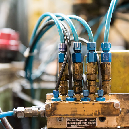 Detail aus der Produktionshalle von Riess Emaille
