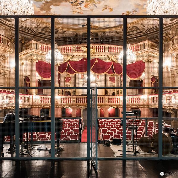 Schönbrunner Schlosstheater, Bühnenansicht und Zuschauerraum
