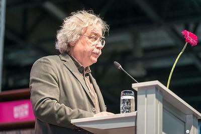 Karl-Markus Gauß auf der ORF Bühne bei seiner Eröffnungsrede für die Buch Wien 2017