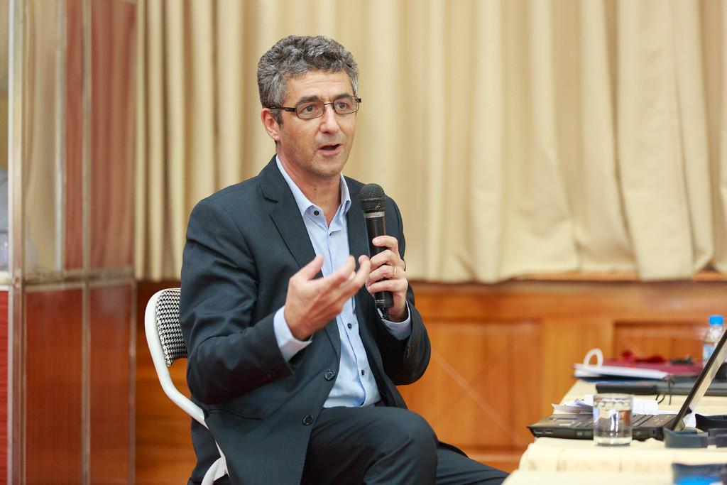 TS Olivier Tessier (Trưởng đại diện Viện Viễn đông bác cổ tại Tp HCM)