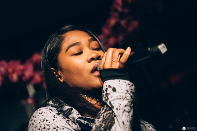 "Rose May Alaba - Live Konzert bei Diesel Event ""Make Love Not Walls"""