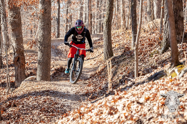 Despite week long predictions of snow the weather held out with only cloudy skies and cold temps.  Runners, on Saturday, and bikers, on Sunday, enjoyed traversing along the trails throughout Bella Vista on a 5k, 13 mile, 20 mile, and 40 mile course all starting and finishing at the Blowing Springs Trail Head.