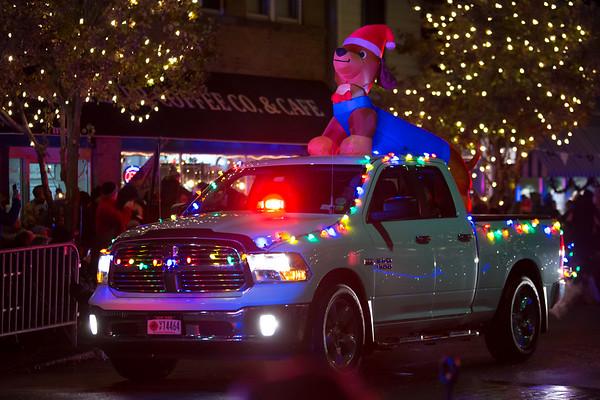 2018_Christmasville Fire Truck Parade