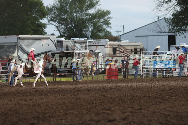 Saddle Bronc rider Taylor Tupper