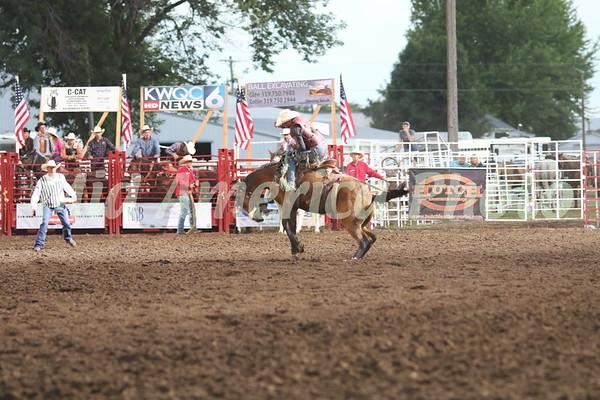 Saddle Bronc rider Logan Allen