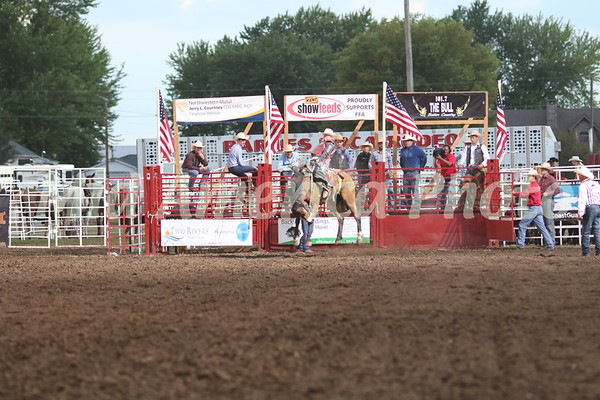 Saddle Bronc rider Logan Allen