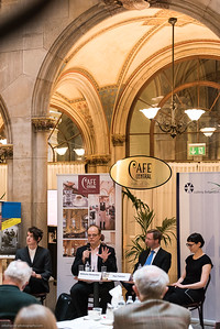 """Pressegespräch """"Das Junge Wien - Natur plus X"""" im Cafe Central"""