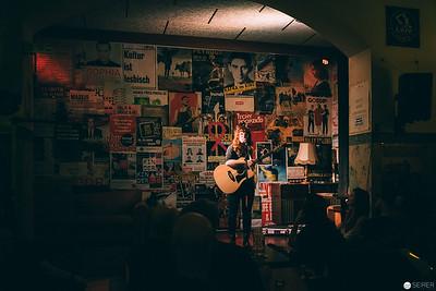 Canadian Singer-Songwriter Megan Nash performing at Clash (Vienna)